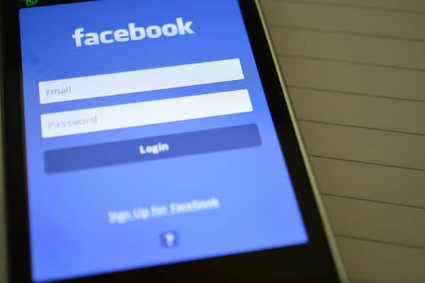 how to avoid facebook scams